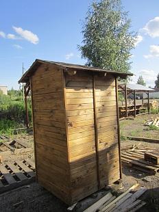 Двускатная крыша туалета своими руками